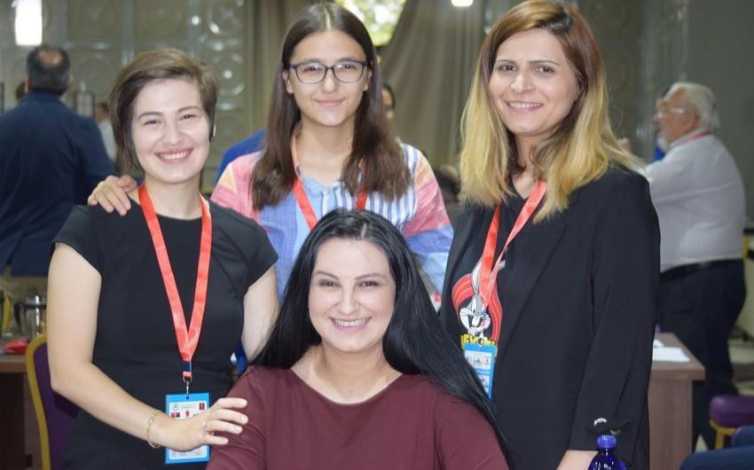 В шахматном клубе Азербайджана женщины заменили мужчин