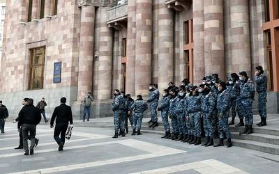 Искандеры, сокрушившие армянские власти - генералы требуют отставки Пашиняна