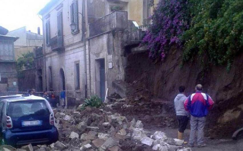 Sel fəlakəti İtaliyanın cənub bölgələrində dağıntılara səbəb olub