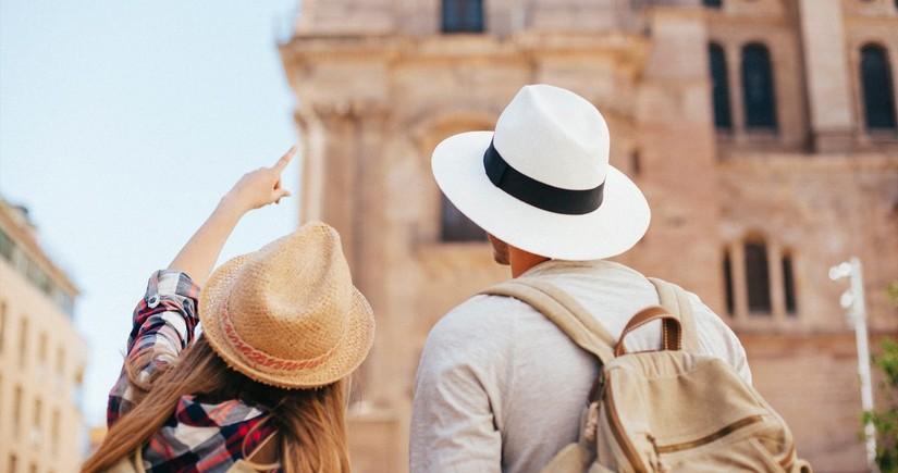 Dünyada turistlərin sayı 31 illik minimumu yeniləyib