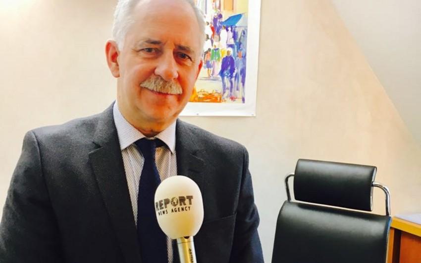 Fransalı deputat: Azərbaycanda demokratiya durmadan inkişaf edir