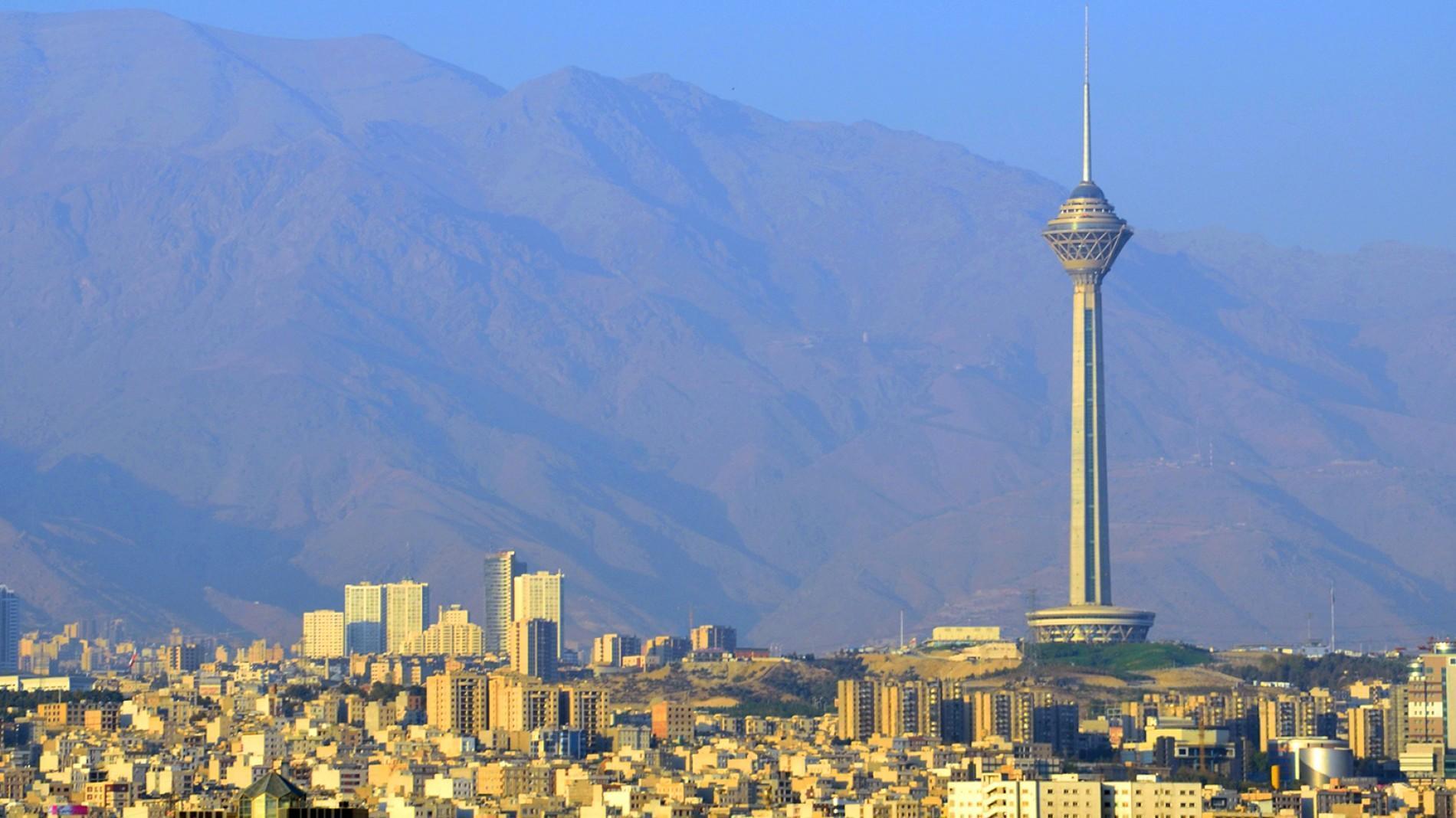 Тегеран вернет ряд ограничений из-за роста случаев COVID-19
