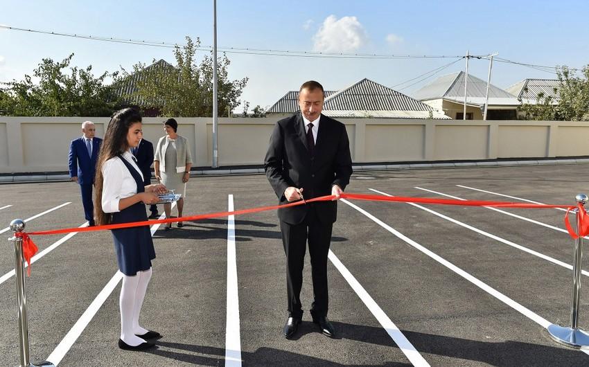 Prezident İlham Əliyev Bakıdakı 311 nömrəli orta məktəbin yeni binasının açılışında iştirak edib