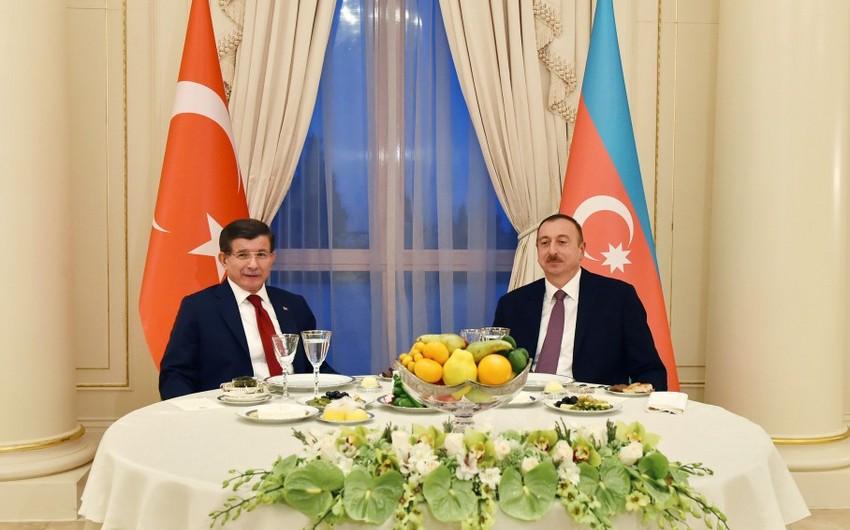 Prezident İlham Əliyevin adından Əhməd Davudoğlunun şərəfinə ziyafət verilib - FOTO