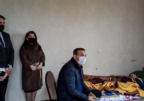 Heydər Əliyev Fondu qazi ailəsinə ərzaq yardımı, ƏƏSMN dəstək verib