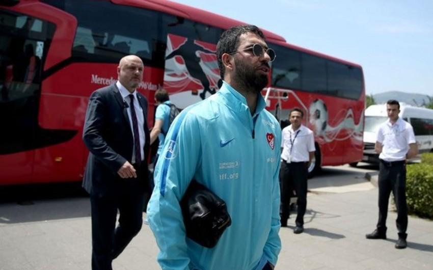 Арда Туран завершил карьеру в сборной