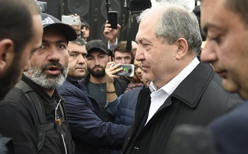 Yerevanda Sarqsyanla müxalifət liderinin görüşü nəticəsiz başa çatıb
