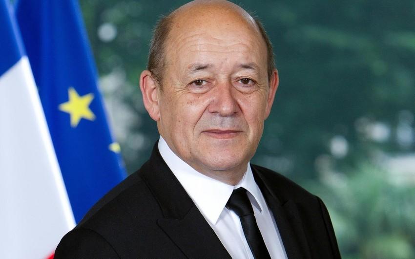Fransa İranla ticarət edən Avropa şirkətlərinə qarşı ABŞ sanksiyalarını qanunsuz hesab edir