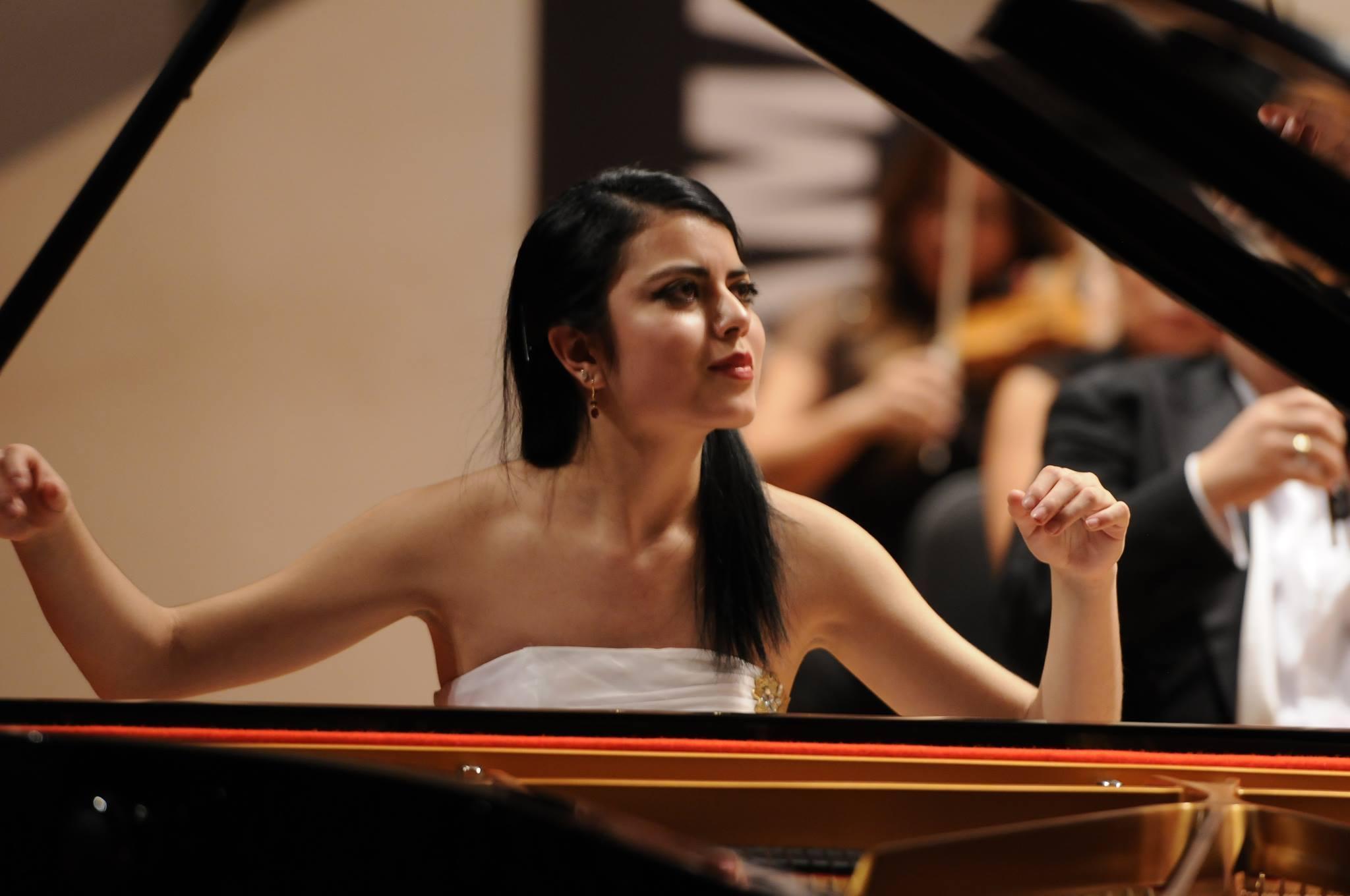 Baku hosts concert of famous Mexican pianist Argentina Duran