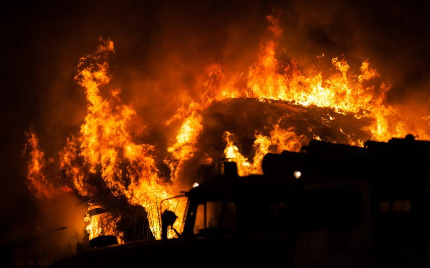 İndoneziyada neft quyusunda baş verən yanğın zamanı ölənlərin sayı 15-ə çatıb - YENİLƏNİB-2
