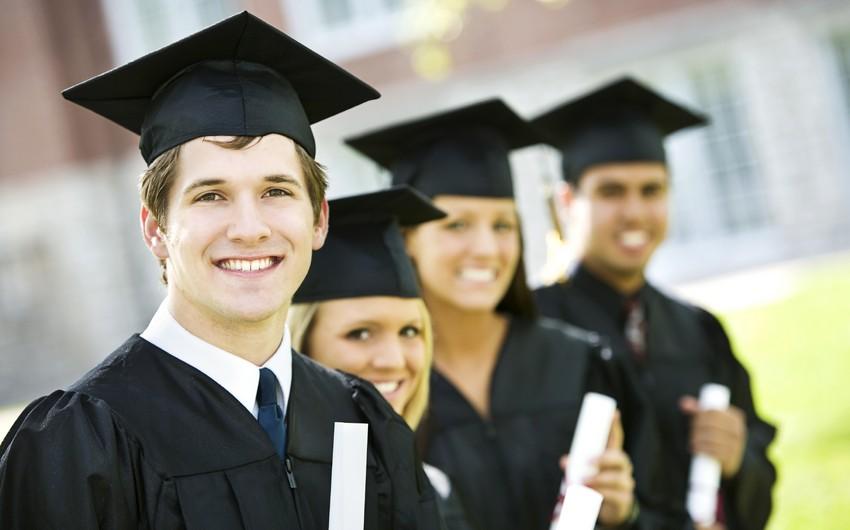 Повышены должностные оклады работников с научной степенью