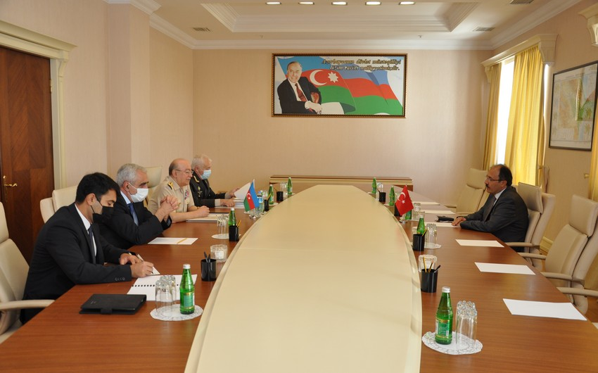 Глава МЧС провел встречу с послом Турции
