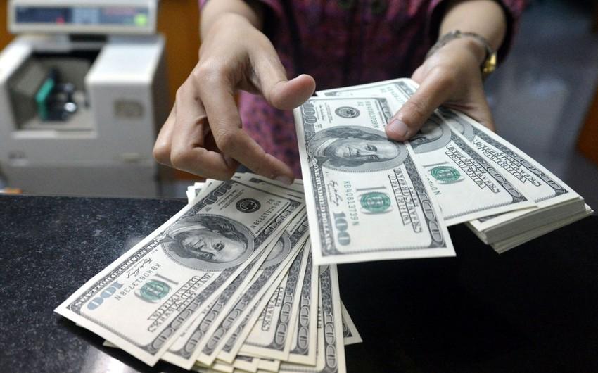 AMB banklara 12 mln. dollar satıb