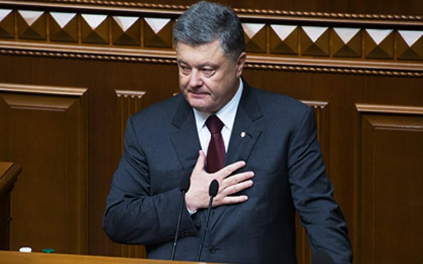 Poroşenko həmkarı Lukaşenkodan üzr istəyib