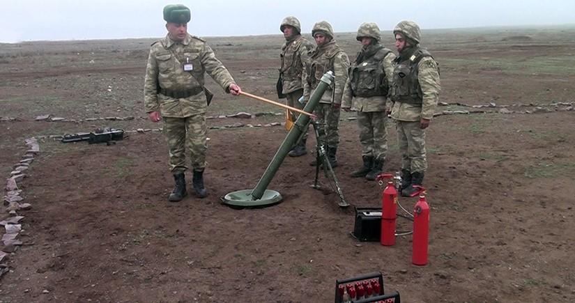 Учебные тренировки минометных батарей с боевой стрельбой продолжаются