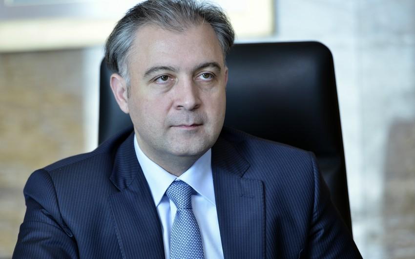 """Xalid Əhədov: """"Azərbaycan Beynəlxalq Bankının reytinqlərinin düşməsi müvəqqəti haldır"""""""
