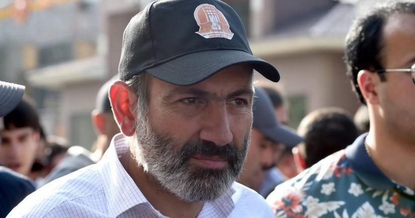 Paşinyan Ermənistanda demokratiyanı küçədə müdafiə edəcək