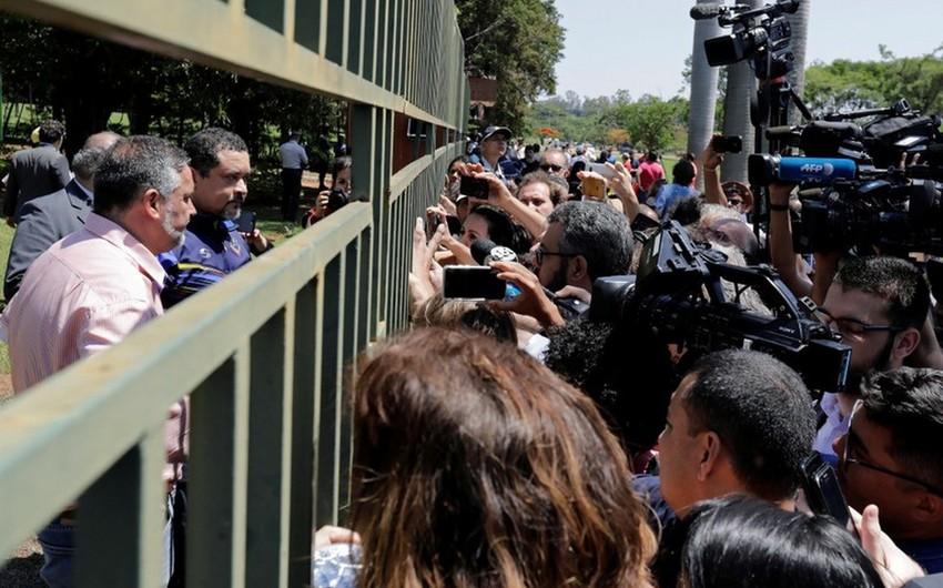 Сторонники Гуайдо вторглись на территорию посольства Венесуэлы в Бразилии