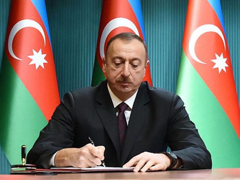 Президент Азербайджана поздравил Федерального канцлера Австрии