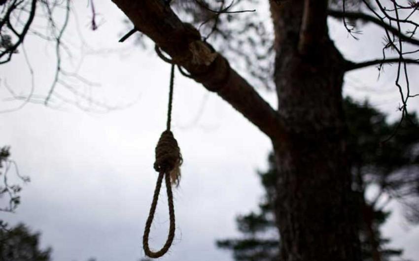 Qubada 50 yaşlı kişi intihar edib