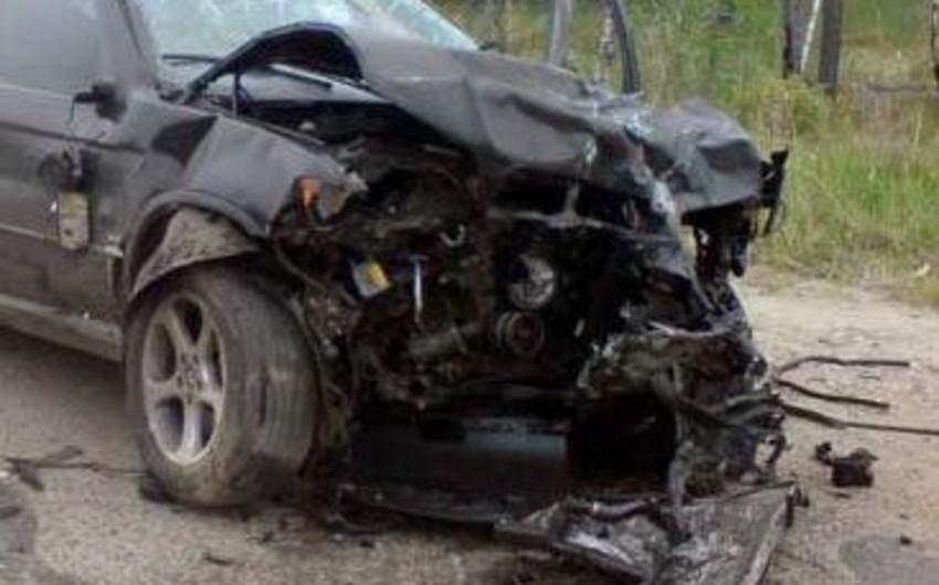 Şəmkirdə sərxoş sürücü avtomobil qəzasında ağır yaralanıb