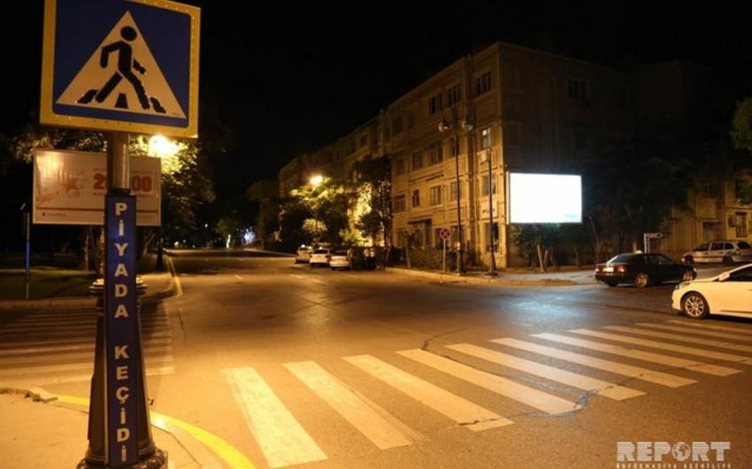 В Баку 50-летний мужчина попал под машину
