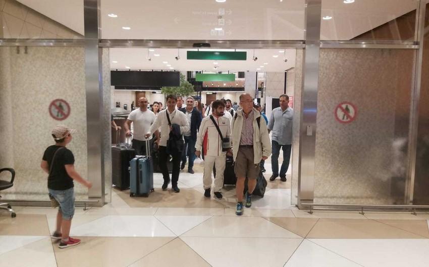 Представлявшие Азербайджан на Европейских играх каратисты и акробаты вернулись на родину