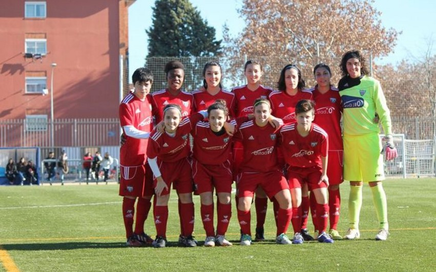 Два азербайджанских футболиста перешли в испанский клуб