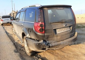 Abşeronda iki avtomobil toqquşdu