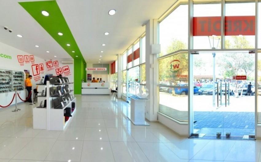 World Telecomun satıcısı mağazadan 2900 manatlıq telefon oğurlayıb