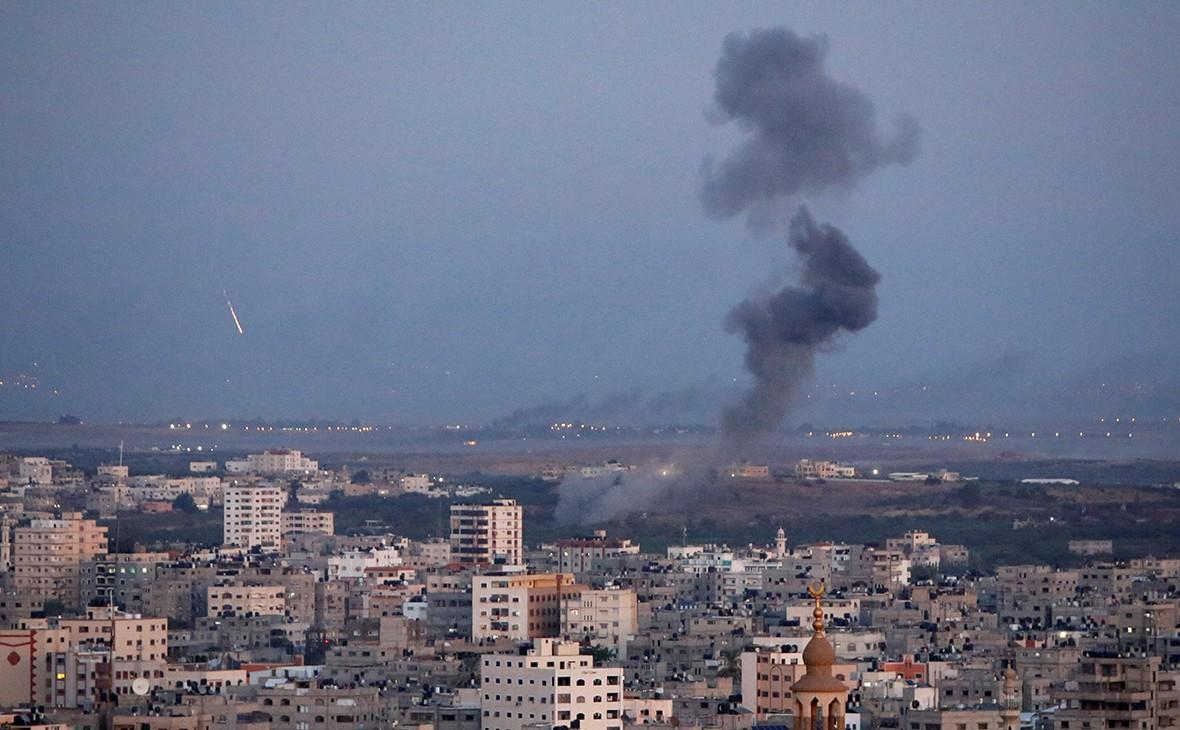 Палестинцы и израильтяне договорились прекратить огонь
