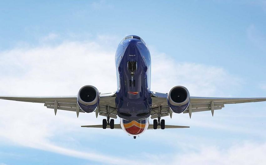 Rusiyada Boeing 737 təyyarəsi qəza enişi edib