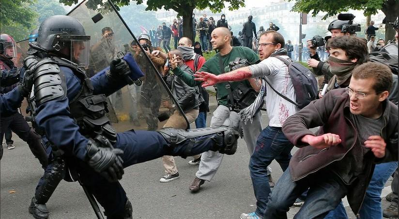 Fransada gənclər küçələrdə qarışıqlıqlar törətdilər, saxlanılanlar var