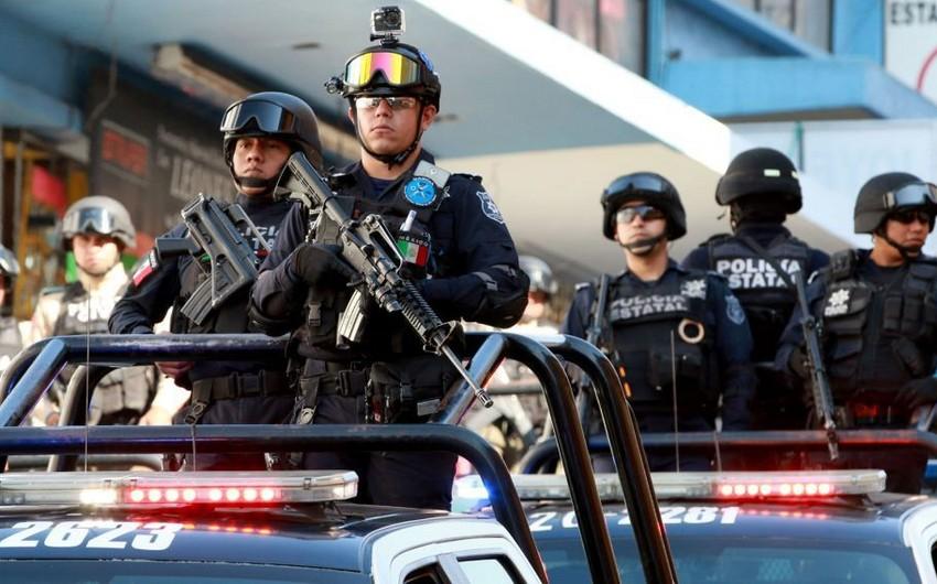В Мексике неизвестные застрелили 10 человек