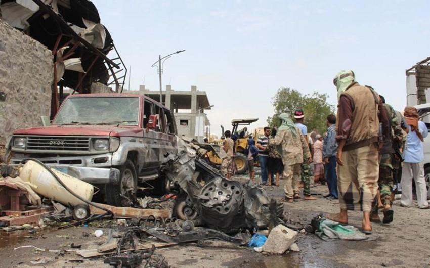 Yəməndə bombardman nəticəsində 8 dinc sakin ölüb, onlarla insan yaralanıb