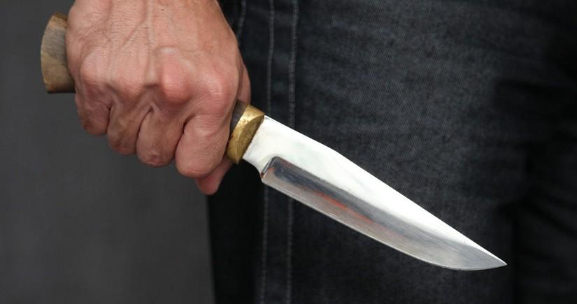 Suraxanı sakini qonşusunu bıçaqladı