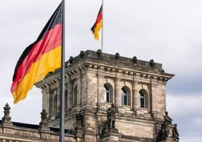 Berlində koronavirus məhdudiyyətlərinə qarşı yürüş keçirilir
