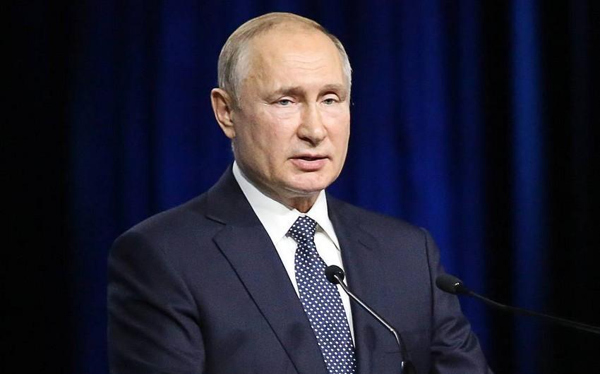 Rusiya prezidenti Gürcüstana qarşı sanksiyalar tətbiq etməyi lazım bilmir