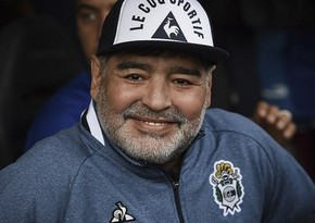 Argentina prezidenti Maradona ilə vida mərasimində iştirak edib