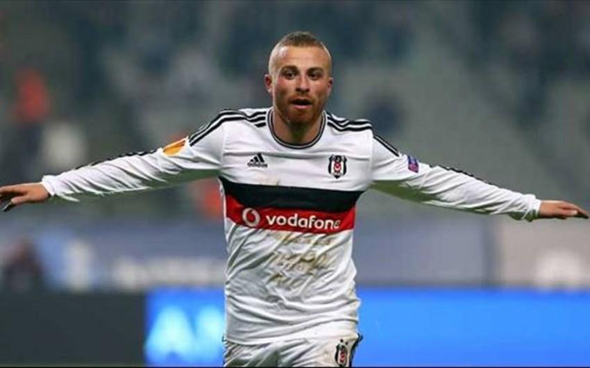Beşiktaşın futbolçusuna silahlı hücum olub