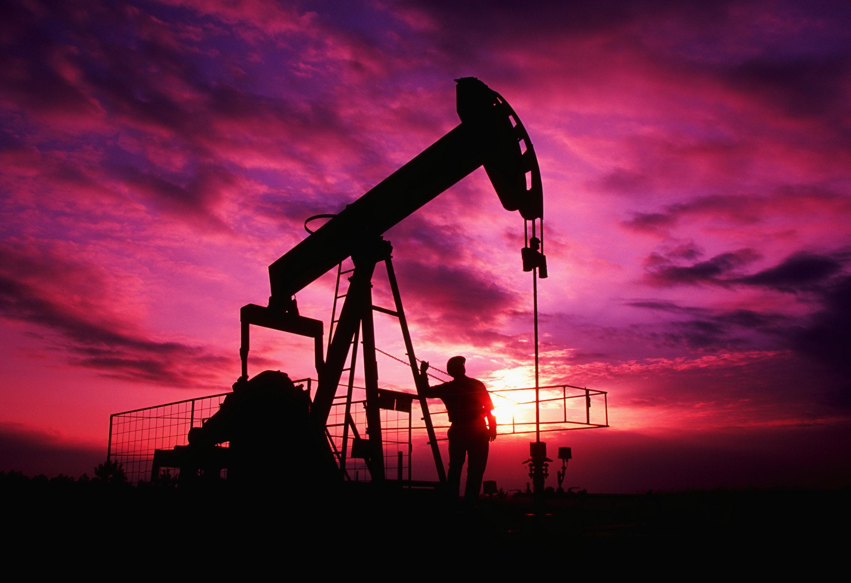 Dünya bazarında xam neft bahalaşıb