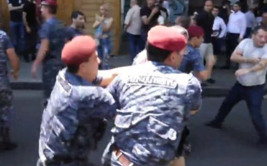 В Ереване задержали сторонников Кочаряна