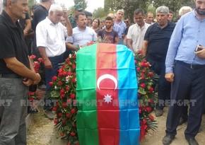 Azərbaycan Ordusunun Kəlbəcərdə şəhid olan giziri dəfn edilib - YENİLƏNİB