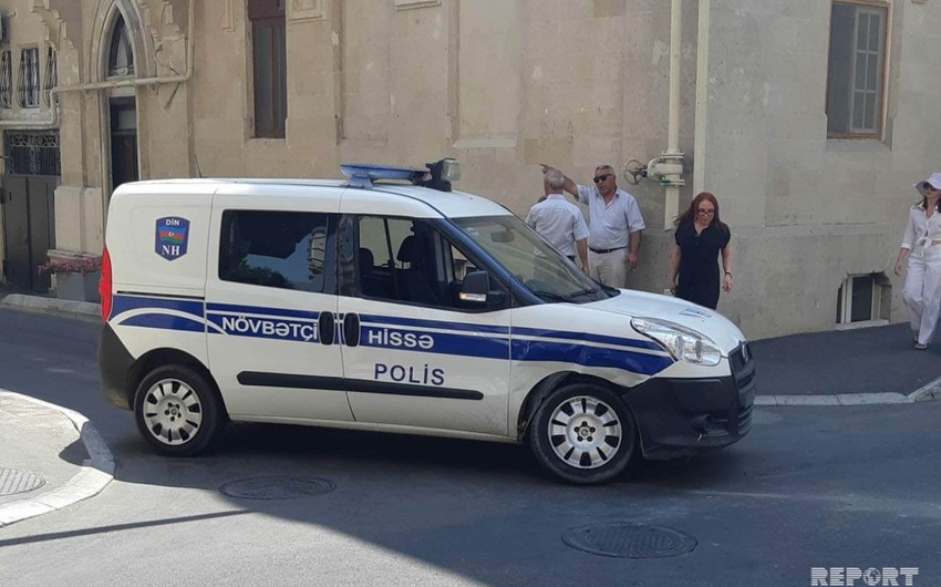 Bakıda polis avtomobili qəza törədib - FOTO