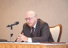 Президент наградил Джахангира Аскерова