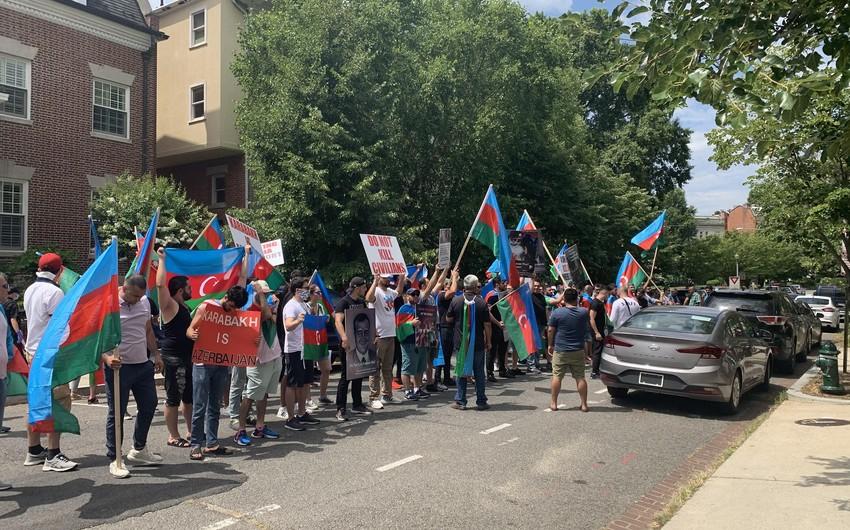 В США продолжаются протесты против армянских провокаций