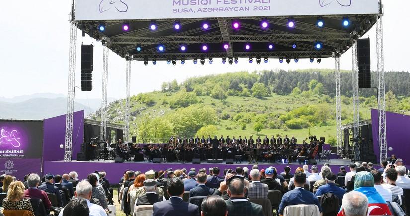 """İtaliya mətbuatı """"Xarıbülbül"""" musiqi festivalından yazdı"""