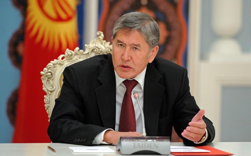 Almazbek Atambayevin tərəfdarları girov götürdükləri hərbçiləri sərbəst buraxıb