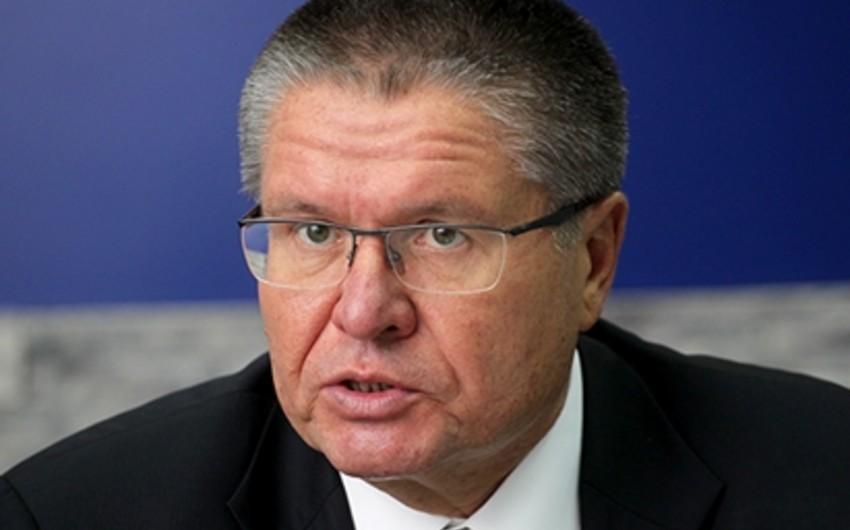 Nazir: Neftin qiyməti 60 dollar səviyyəsində qalsa Rusiya iqtisadiyyatı 3% geriləyəcək