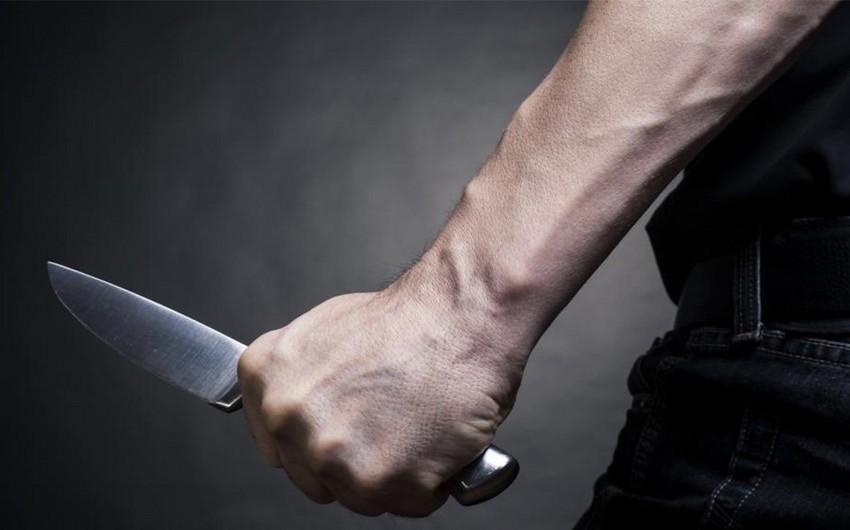 Qubada kafenin kababçısı müştərini bıçaqlayıb